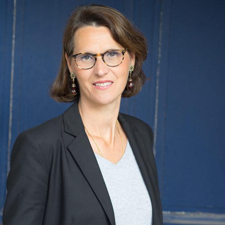 Mme Emmanuelle Vidal